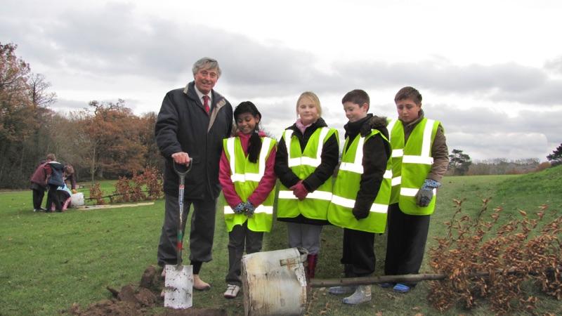 EGWML Jubilee Tree Planting Nov 2012 - 04